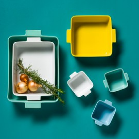 Forma Bakeware collection